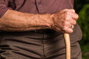 jaka-proteza-konczyn-dla-seniora